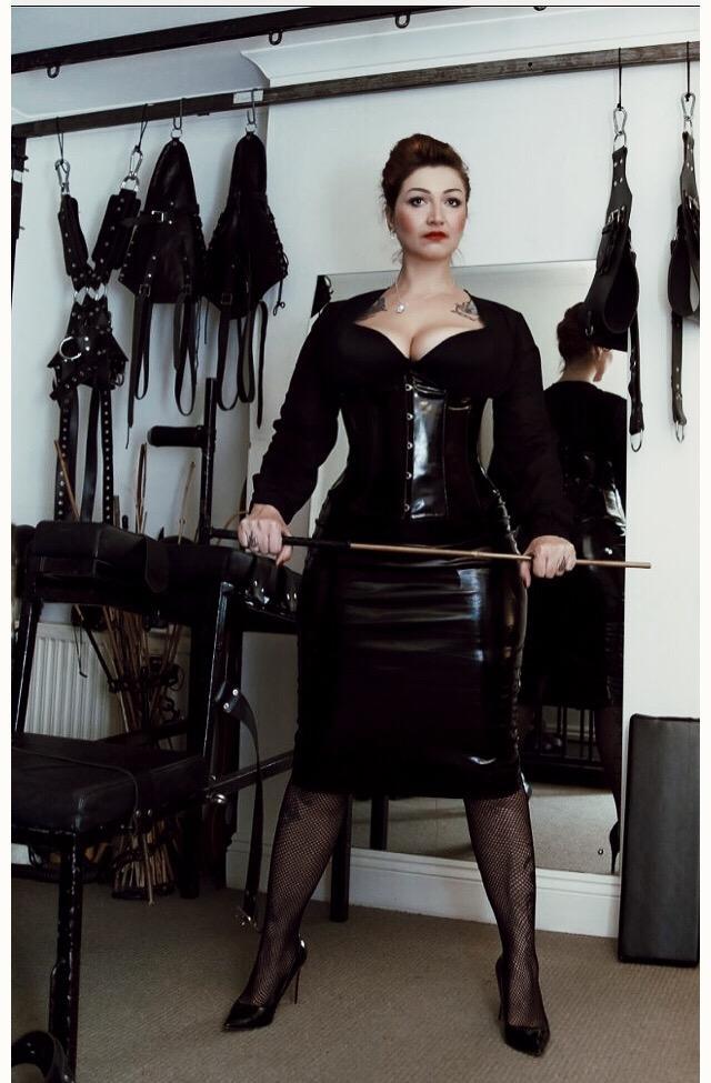 Madam Helle London Mistress